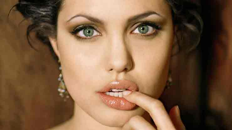 Кожа лица Джоли