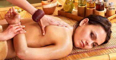 массаж с маслами от растяжек