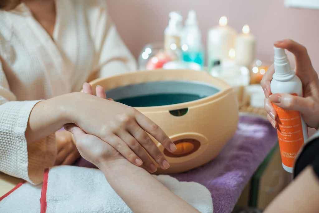 процедуры парафинотерапии кожи рук