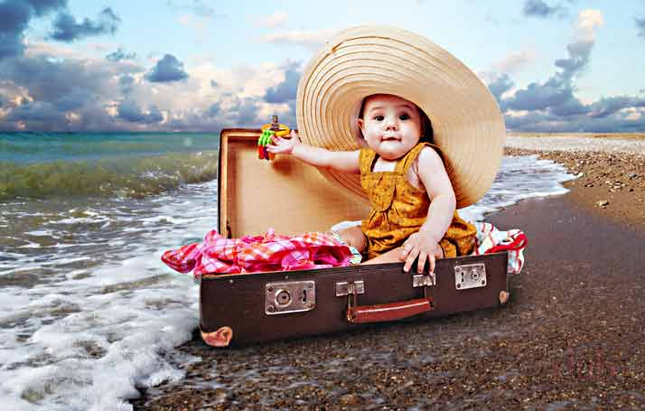 ребёнок в чемодане