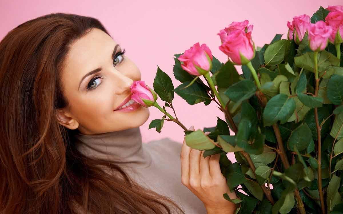 букет из цветов розы дарят своим любимым