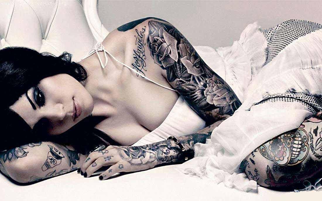 Разная татуировка