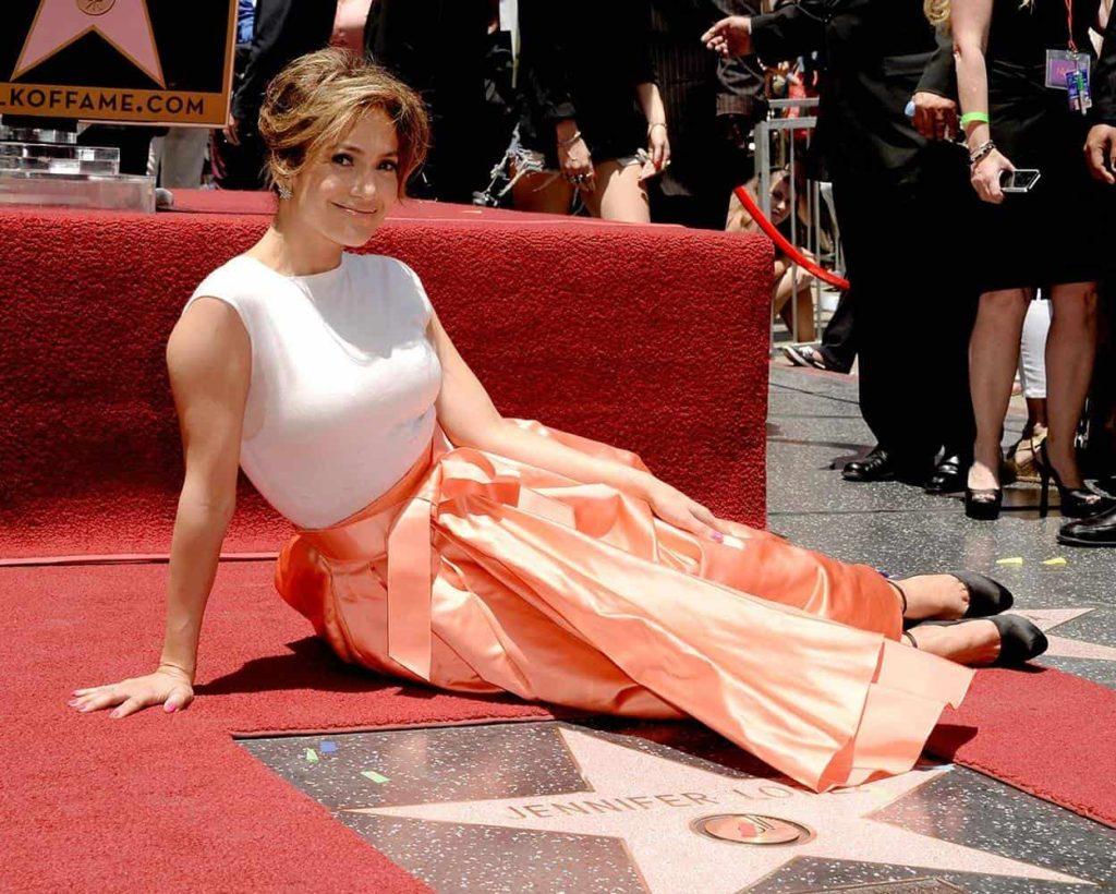20 июня 2013 года Дженнифер Лопес была удостоена звезды на голливудской «Аллее славы».