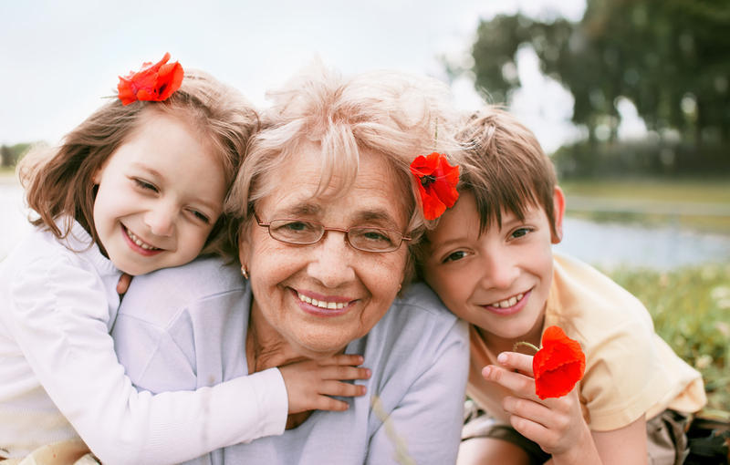 Как бабушка внукам подарки выбирала