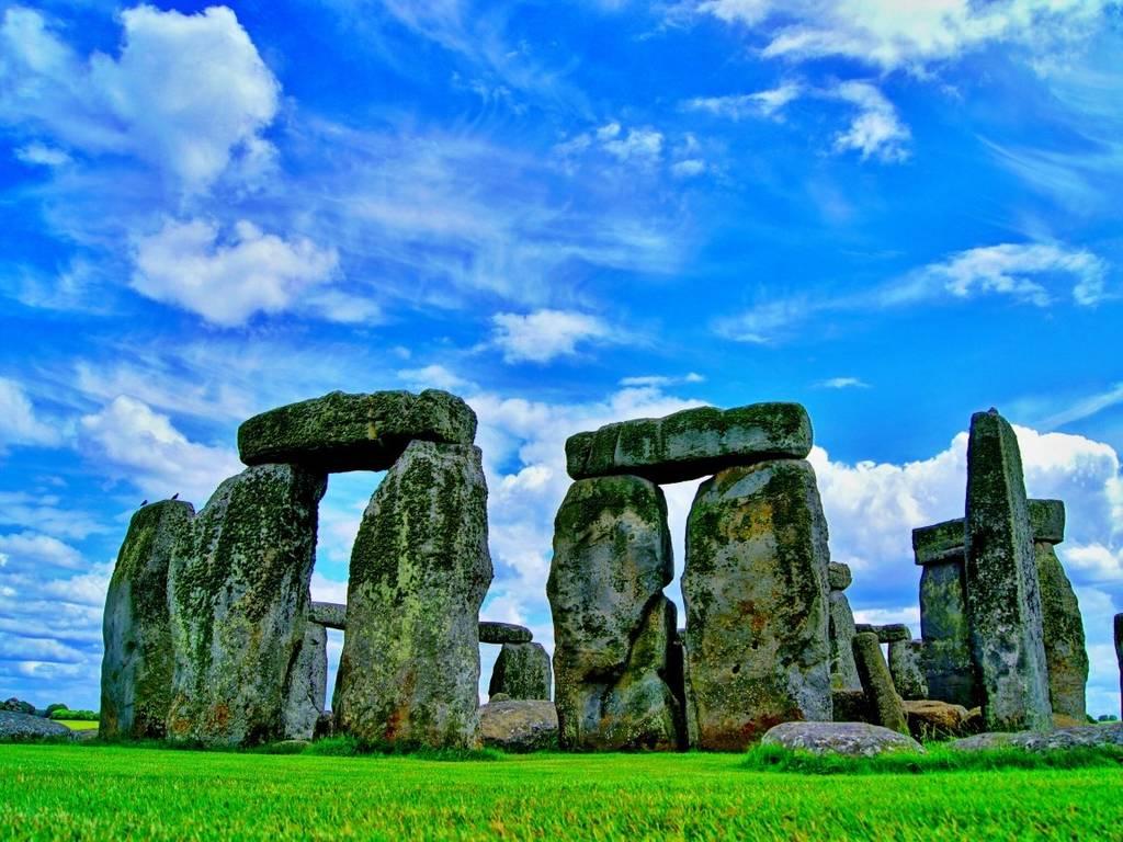 Стоунхендж – знаменитый памятник в Великобритании