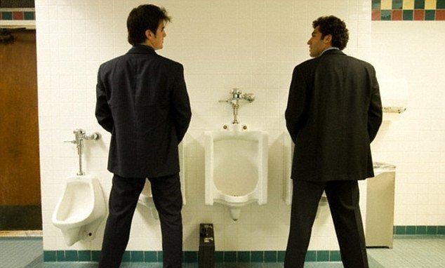 Туалетный конфликт перерос в массовую драку