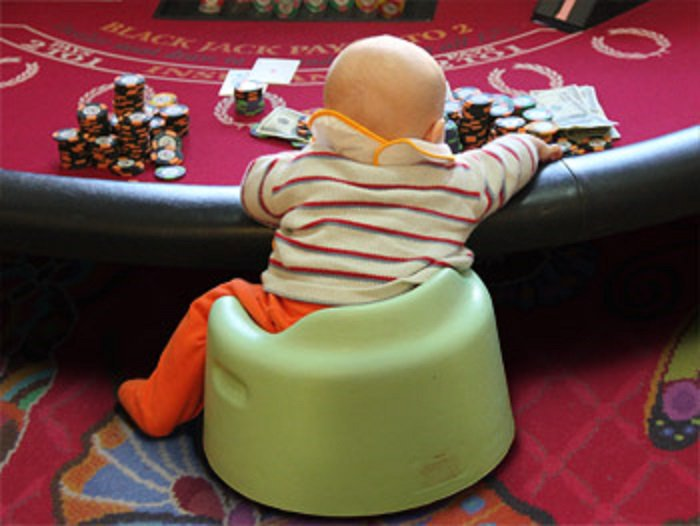 Ребенок ограбил онлайн казино