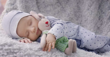 Роды. Новорожденный спас маму от рака