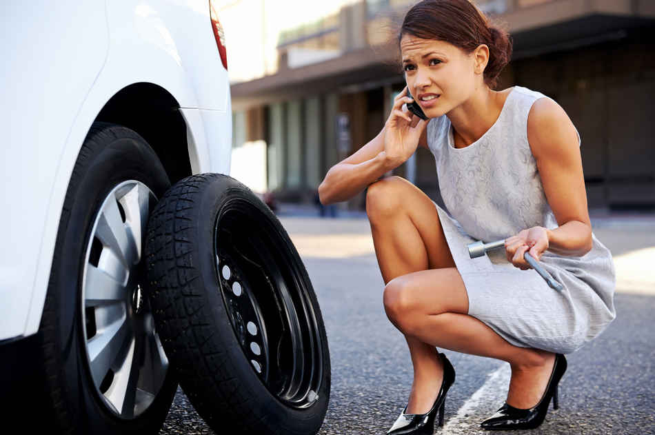 как правильно заменить колесо на машине