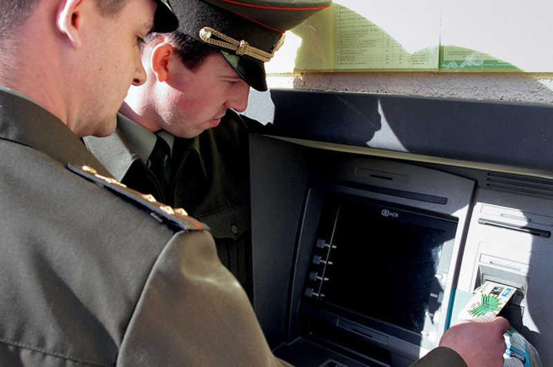 Старшие офицеры МВД получат отсрочку от пенсии