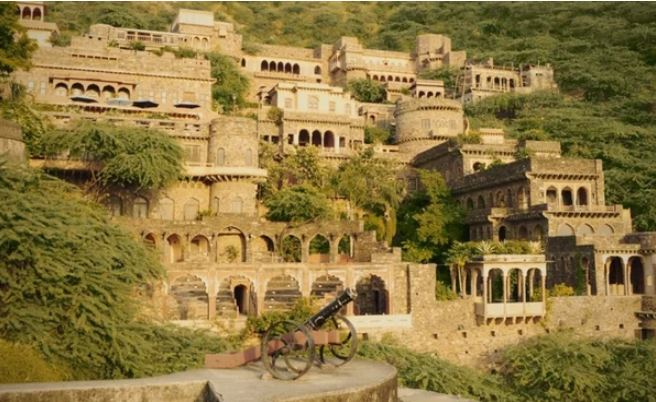 Куда исчезли люди из форта Бхангир