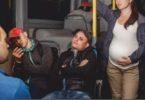 нужно ли уступать беременным место в автобусе