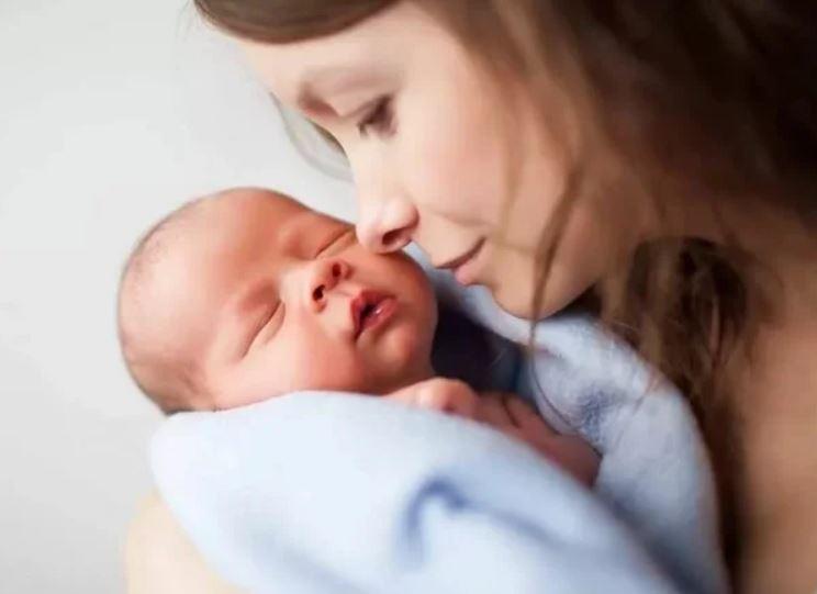 Как бесплодная женщина смогла родить ребёнка