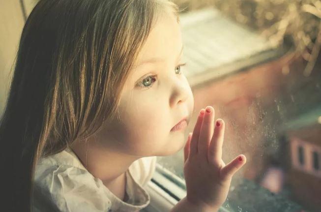 девочка из детского дома