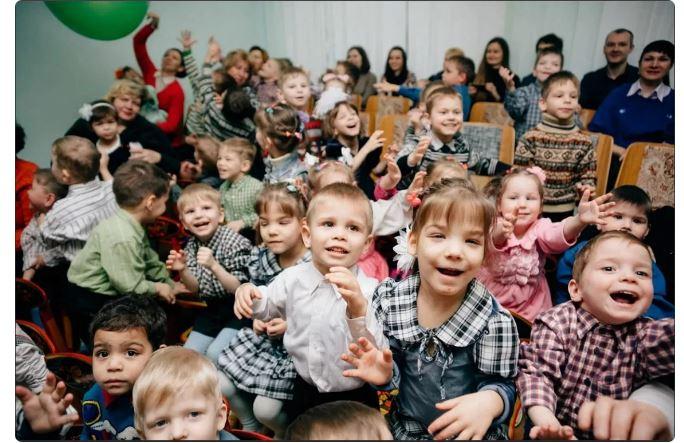 Дети в детдоме
