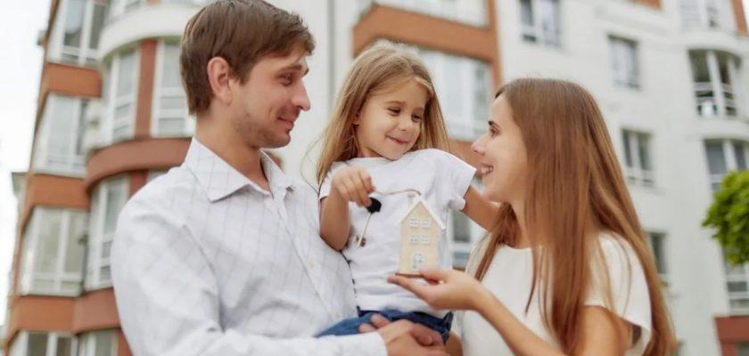 могут ли продать квартиру с прописанными людьми